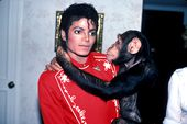 Photo for Michael Jackson and Bubbles - The Untold Story