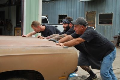 Misfit Garage : Programs : Discovery Channel : Discovery Press Web